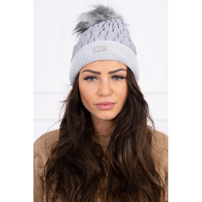 Šviesiai pilka moteriška kepurė